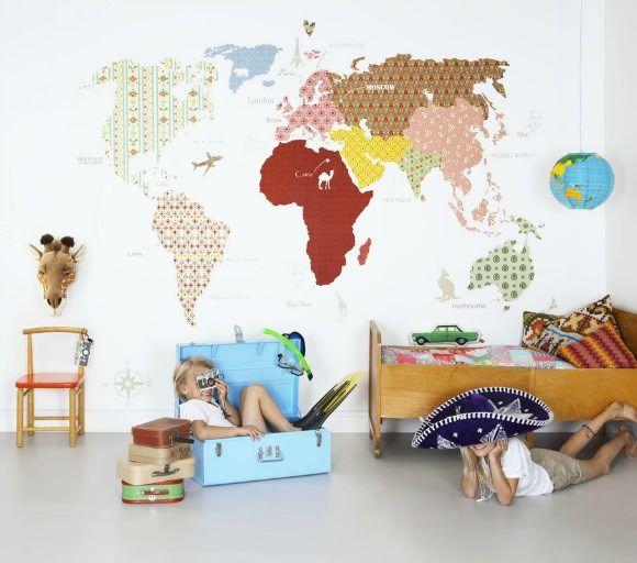 globe trotteur leo le pirate. Black Bedroom Furniture Sets. Home Design Ideas