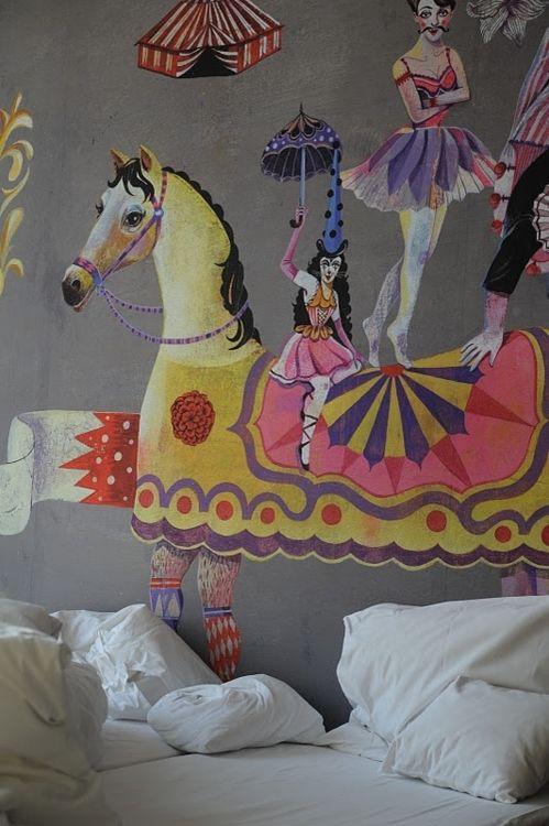 quel cirque leo le pirate. Black Bedroom Furniture Sets. Home Design Ideas