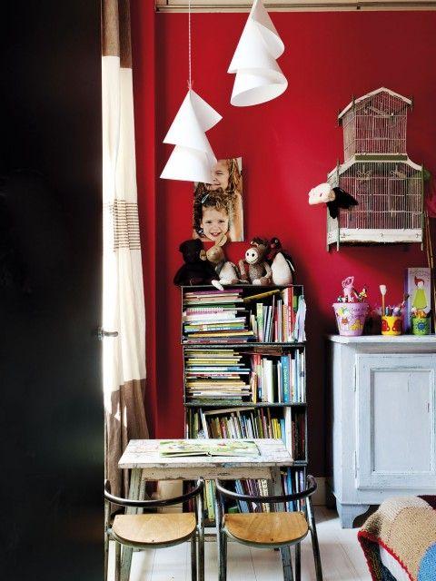 petits bureaux vintage leo le pirate. Black Bedroom Furniture Sets. Home Design Ideas